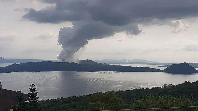 Filipińskie władze wezwały do ewakuacji