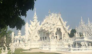 Biała świątynia Wat Rong Khun znajdująca się w prowincji Chiang Rai