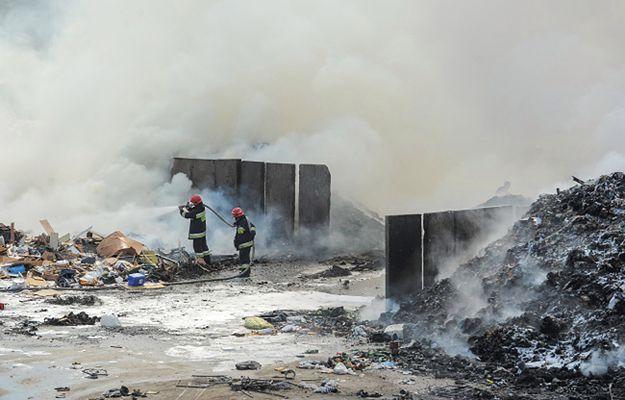 Płonie sortownia w Warszawie