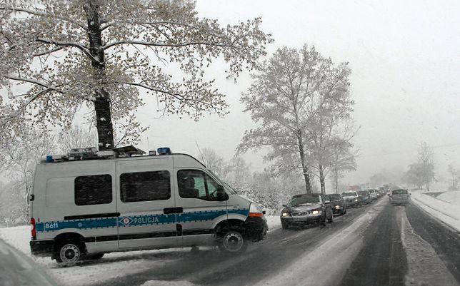 Śnieżyce, silny wiatr i zagrożenie lawinowe. Atak zimy w Tatrach
