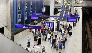 Pociąg PKP Intercity dwie godziny stał na dworcu w Warszawie. Podejrzenie koronawirusa