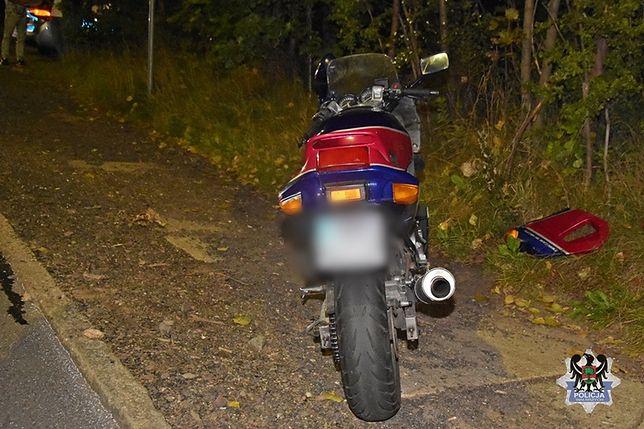 Wałbrzych. Rozpędzony motocyklista wjechał w nastolatkę. Nie miał prawa jazdy