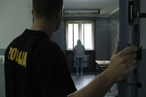 Wyrok dla kobiety, która w biały dzień zabiła nożem mężczyznę w centrum Kalisza