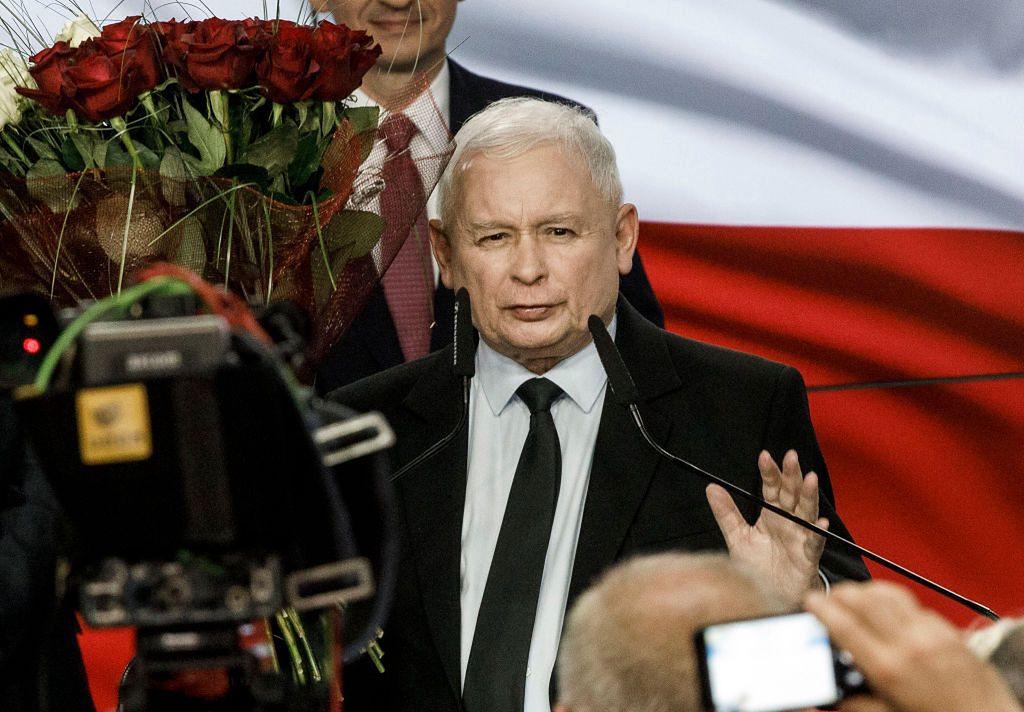 """Lech Kołakowski został zawieszony w prawach członka PiS po głosowaniu nad """"piątką dla zwierząt"""""""