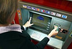 Masz konto w mBanku? Uważaj, przy wypłatach z bankomatu. Banki podnoszą opłaty