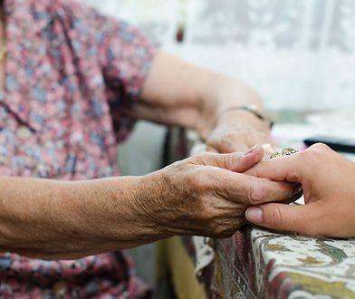 Seniorzy w kontakcie z dziećmi zyskują czasem druga młodość