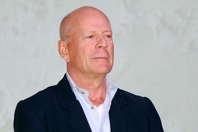 Koronawirus. Bruce Willis ogolił córce Tallulah głowę na kwarantannie