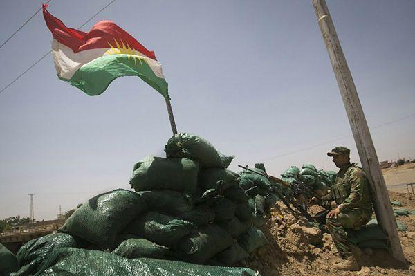 Kurdyjski posterunek na peryferiach Kirkuku