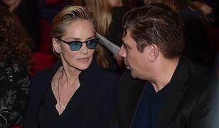 Sharon Stone w towarzystwie dziennikarza Enzo Cursio