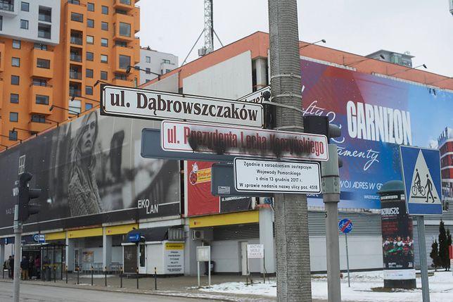 Zniszczona ulica Prezydenta Lecha Kaczyńskiego w Gdańsku