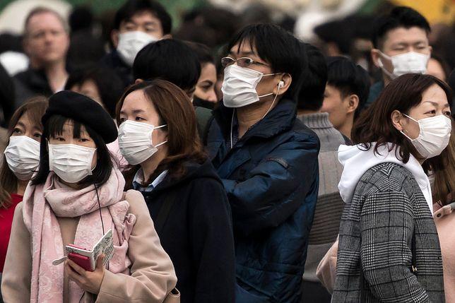 W 11-milionowym mieście Wuhan wszyscy mają obowiązek noszenia masek