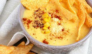 Kremowa zupa z kukurydzy z nachosami