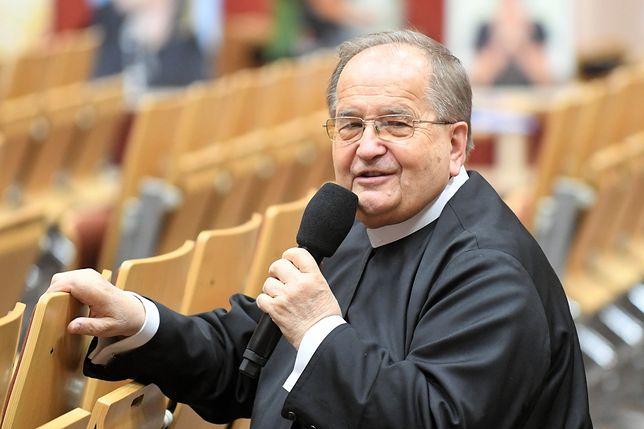 O. Tadeusz Rydzyk na falach Radia Maryja mówił o zagrożeniach, jakim są małżeństwa mieszane (czyli takie, w których współmałżonkowie pochodzą z innych kultur).