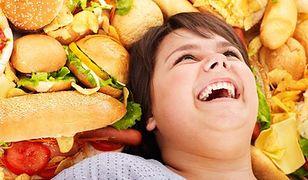Weekendowe obżarstwo: to dlatego twoja dieta nie działa