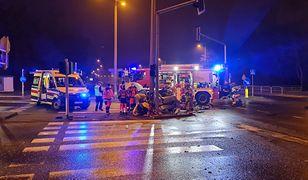Bielsko-Biała. Dwie osoby ranne w zderzeniu dwóch samochodów.
