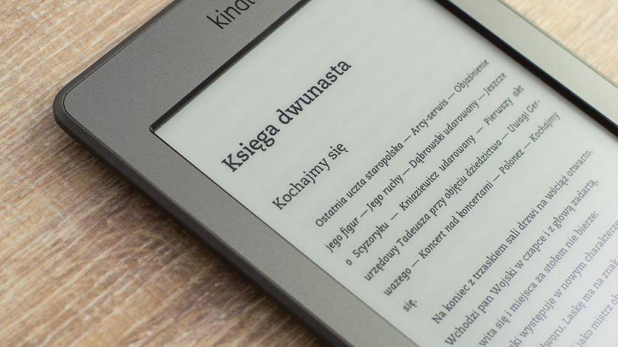 Kup czytnik e-booków, by nie nosić ciężkich książek (nie tylko do szkoły)