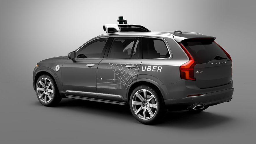 Uber ma pecha: autonomiczne auto rozbite, kolejny skandal