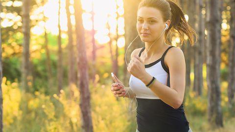 Fitbit Charge 3: nowa opaska sportowa z kontrolą snu i dodatkiem z myślą o kobietach