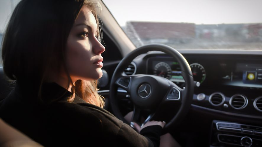 Mercedes klasy E: test oprogramowania w samochodzie za prawie pół miliona