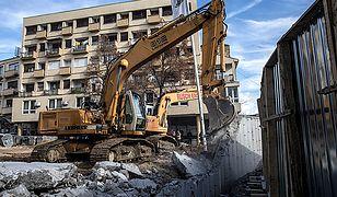 Kosowo: usunięto mur w Kosovskiej Mitrovicy