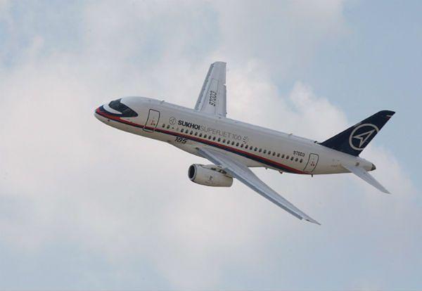 Samolot pasażerski Superjet 100