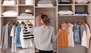 Szafa kapsułowa od podstaw. Jak dobierać ubrania, by zawsze świetnie wyglądać?