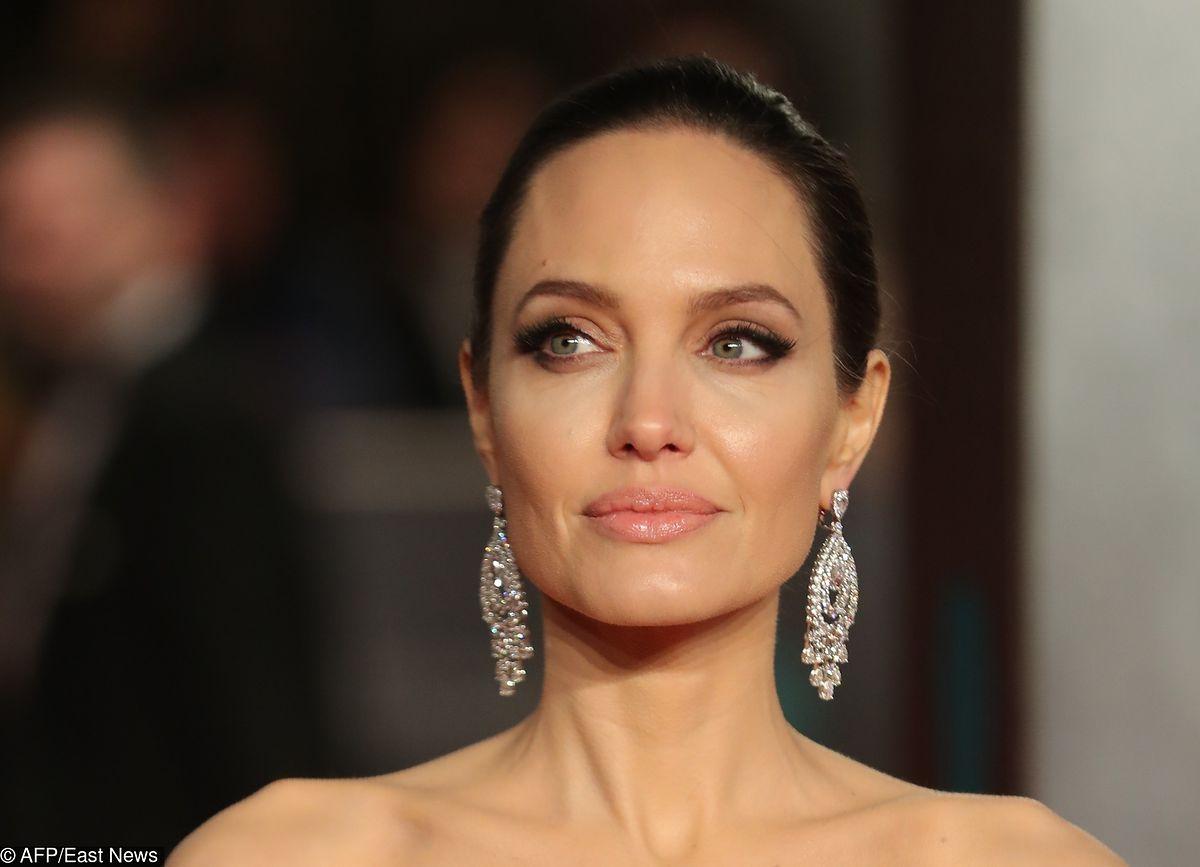 Angelina Jolie w nowej fryzurze. Do twarzy jej w blondzie