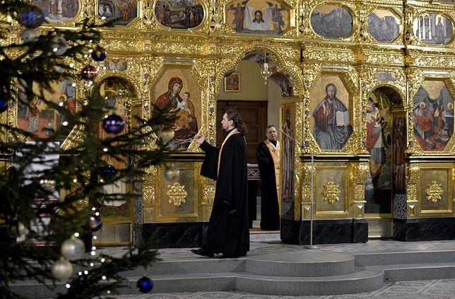 Po wigilii prawosławni idą do cerkwi na nabożeństwo