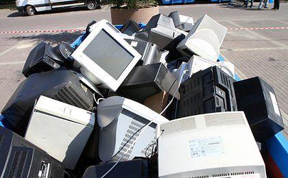 Moda na ekologię dotarła do branży elektronicznej. Co mają wspólnego śmieci rzeczne z laptopami?