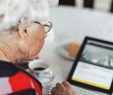 Babcia musi usunąć zdjęcia wnuków z Facebooka