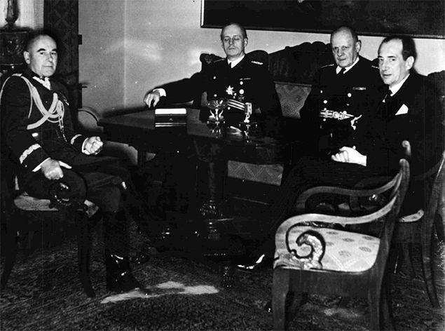 Spotkanie polskich władz z Ribbentropem w Warszawie w 1939 r. Od lewej: Śmigły-Rydz, von Moltke, Ribbentrop i Beck