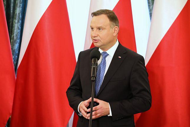 Andrzej Duda podpisał Kartę Nauczyciela