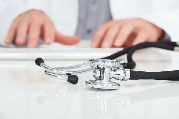 Onkolog z Gdańska usłyszał 31 zarzutów. Lekarz molestował 25 pacjentek