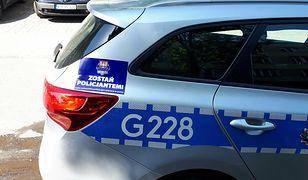 Policja szuka nowych funkcjonariuszy. W ruch idą naklejki