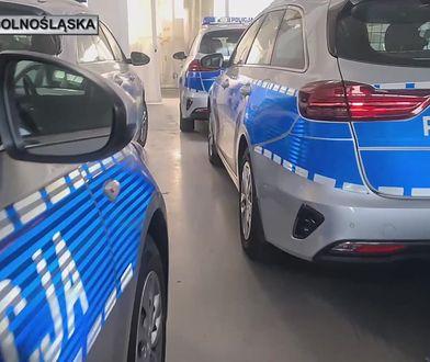 Policja ma 21 nowych pojazdów. W tym motocykl i skutery wodne