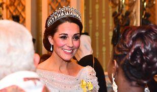 Księżna Kate w tiarze księżnej Diany i sukni jak Królowa Śniegu