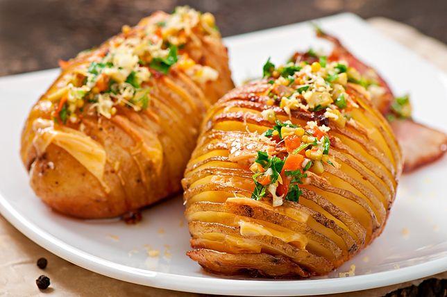 Dania z ziemniaków są mocno zakorzenione w polskich kulinariach. Przepisy na dania z ziemniaków