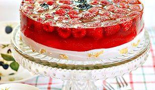 Łatwe ciasto na zimno z owocami. Pyszności bez pieczenia