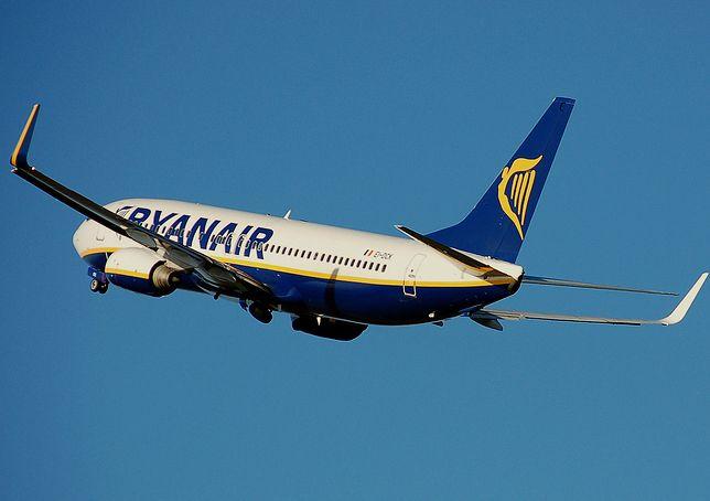 Boeing 737-800 w barwach linii Ryanair.
