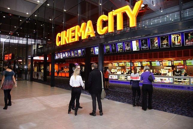 Cinema City zaprzecza, że obniżka cen biletów jest spowodowana epidemią koronawirusa.