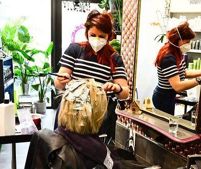 Usługi kosmetyczne i fryzjerskie dalej mogą być wykonywane.
