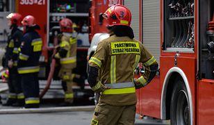 Tragiczny pożar na Jelonkach. Wyskoczył z okna na 2. piętrze
