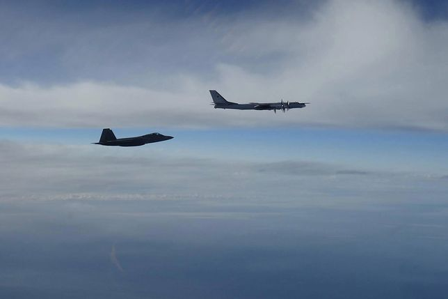 Rosyjskie bombowce zbliżyły się do amerykańskiej strefy powietrznej. USA protestują