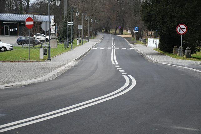Droga gminna w Rudach Raciborskich zyskała nowe życie.