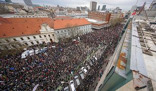 45 tys. osób wyszło na ulice Słowacji domagając się wyjaśnienia szczegółów zabójstwa dziennikarza Jana Kuciaka