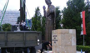 5-metrowa figura Jezusa na terenie parafii na Jeżycach narusza przepisy?
