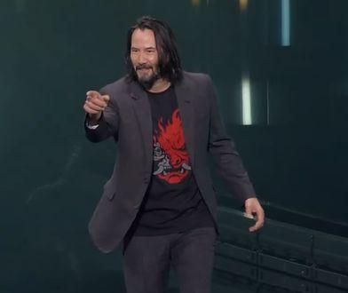 Keanu Reeves występuje na targach E3 podczas prezentacji Cyberpunka 2077. Nigdy nie wyglądał lepiej
