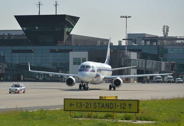 Z wielu polskich lotnisk odbywają się obecnie pojedyncze połączenia w tygodniu