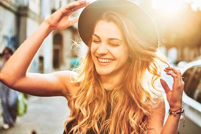 Fryzury sombre z blondem to hit lata! Jak zrobić sombre na włosach?