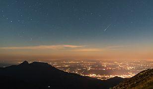 Perseidy 2019 – Kasprowy Wierch. Deszcz spadających gwiazd zaskoczył Polaków. Obejrzyj nagranie i sprawdź, kiedy można podziwiać to zjawisko